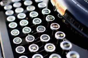 typewriter-1004433_1920